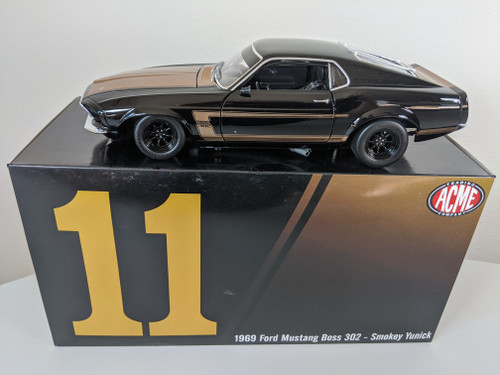 1:18 1969 Ford Boss 302 Trans Am Mustang - Street Edition (Smokey Yunick)