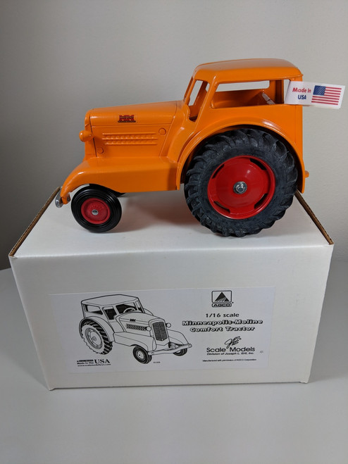 1:16 Minneapolis Moline Comfort Tractor by Scale Models