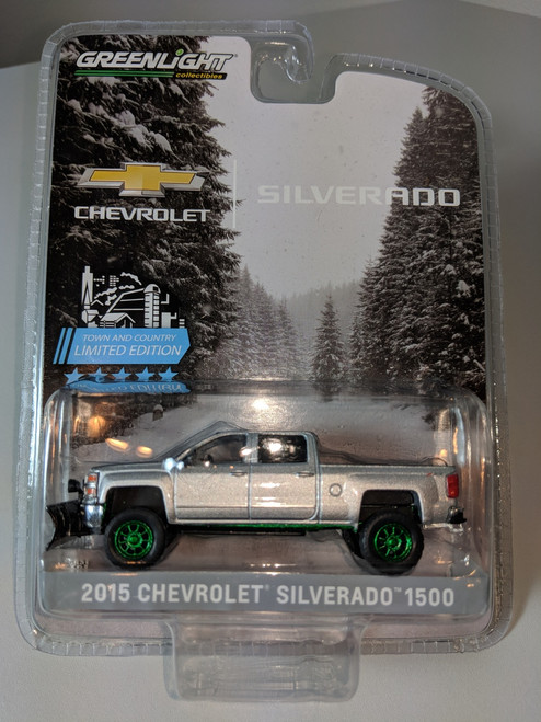 1:64 2015 Chevrolet Silverado, Silver, with Snow Plow and Lift Kit Green Machine