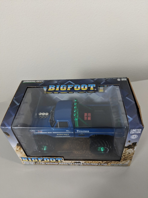 1:43 Bigfoot #1 The Original Monster Truck (1979) - 1974 Ford F-250 Monster Truck Green Machine
