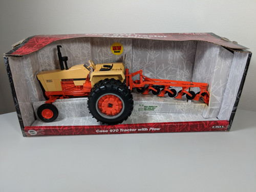 1:16 Case 970 with 4 Bottom Plow