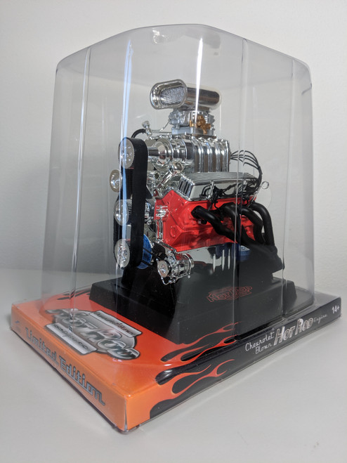 1:6 Chevrolet V8 Engine Replica with Blower