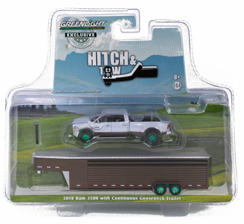 1:64 2018 RAM 3500 – Bright White and Walnut Brown Metallic Continuous Gooseneck Livestock Trailer – OMT Exclusive-Green Machine