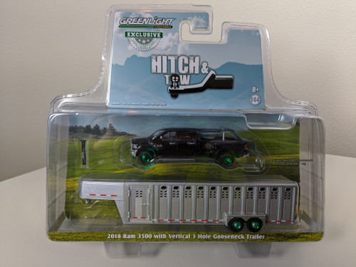 1:64 2018 RAM 3500 – Black Clearcoat and Black trim w/Polished Chrome Vertical 3 Hole Gooseneck Livestock Trailer – OMT Exclusive-Green Machine