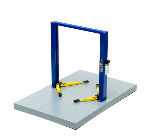 1:18 Two-Post Lift - Blue with Yellow Platforms