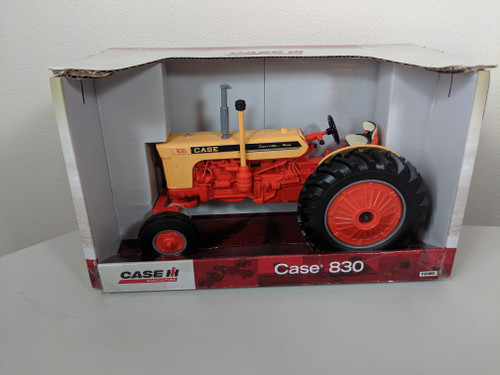 1:16 Case 830 Case-O-Matic Diesel Tractor with Wide Front