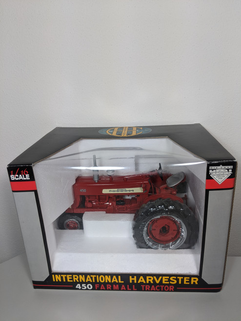 1:16 International 450 Tractor with Fast Hitch and Narrow Front by SpecCast
