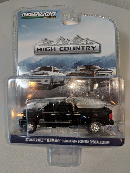 1:64 2018 Chevrolet Silverado 3500HD High Country Special Edition 4X4 Dually PKUP in Black