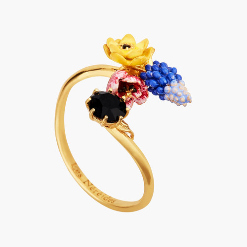 Winter Blooming Bouquet On A Black Stone Adjustable Rings | AMBH6021