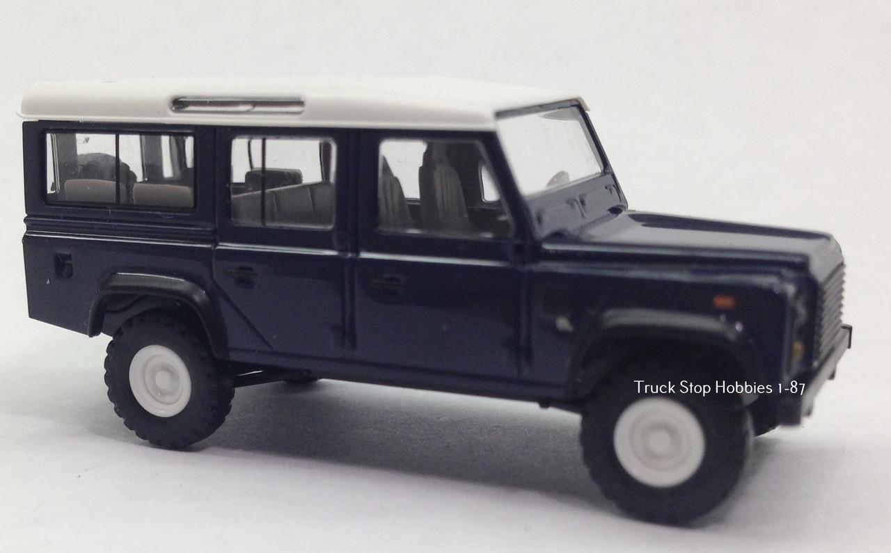 HO 1:87 Busch # 50301-1983 Land Rover Defender SUV Green//White