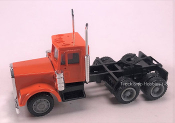 HO 1:87 Promotex #15278 Freightliner Classic Day Cab Tandem Tractor Orange