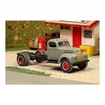 HO 1:87 Sylvan Scale Models # V-227 1942-47 Ford Cab & Chassis Kit