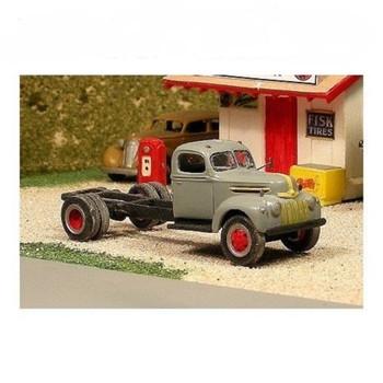 HO 1:87 Sylvan Scale Models # V-227 1942-47 Ford Cab & Chassis Kit