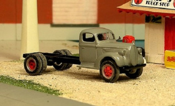 HO 1/87 Sylvan Scale Models # V-249 - 1939 Ford Cab & Chassis KIT