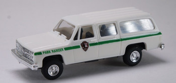 HO 1/87 Trident # 90199 Chevy Suburban 4 x 4 Park Ranger - White - Green