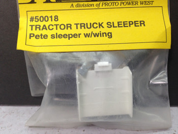 HO 1/87 A-Line # 50018 Peterbilt Sleeper w/Wing DSC