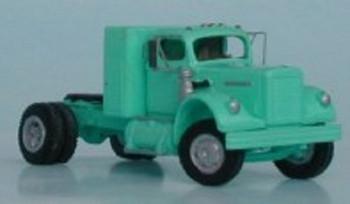 HO 1/87 Sylvan Scale Models # V-032 1956-66 White 4000 w/Box Sleeper KIT