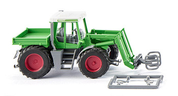 HO 1/87 Wiking # 038803 Fendt Xylon tractor with bale grab/clamps
