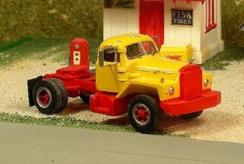 HO 1:87 Sylvan V-288 - 1956-66 Mack B-81 Single Axle Tractor KIT