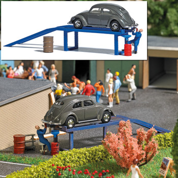HO 1:87 Busch # 7829 Oil Change Ramp, VW Old Beetle, Barrels, Figure