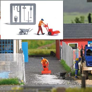 HO 1:87 Busch # 7854 Figure w/Mechanical Sweeper, Wheelbarrow, Garden Tools