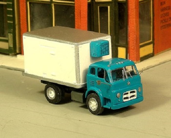 HO 1:87 Sylvan # V-313 -IH C-190 Refrigerated Box Truck KIT w/Reefer