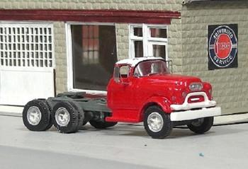 HO 1:87 Sylvan # V-322 - 1955-56 GMC 660 Tandem Axle Tractor  KIT