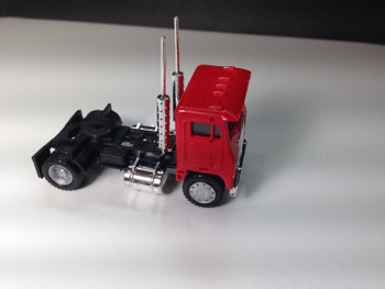 HO 1:87 Promotex # 25236 White Commander Day Cab Single Axle Tractor - Red