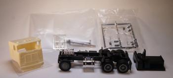 HO 1/87 GCC-3056 - 1970's White Road Commander Cast Resin Tractor KIT w/Details