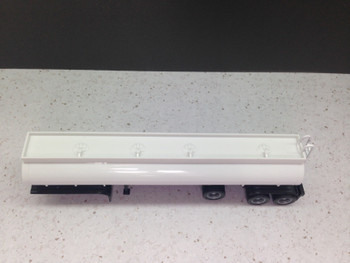 HO 1:87 Promotex # 5351 Elliptical Tanker Trailer with Tag Axle - White