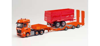 HO 1:87 Herpa # 312196 Mercedes Actros w/ Low-Loader Trailer & Farm Wagon Load