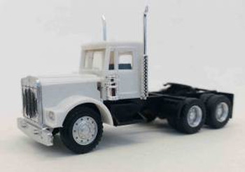HO 1:87 Promotex # 466314 KW W-900 Short Tractor w/Growler Grill - White
