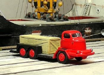 HO 1:87 Sylvan Scale Models # SE-08  - 1946 Murty Low Bed Dock Truck KIT
