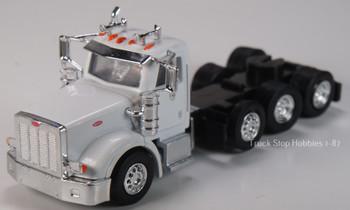 HO 1:87 TSH # 523 Peterbilt 367 Tri-Axle Tractor - Heavy Haul - White