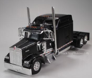 HO 1:87 TSH # 654 Kenworth 900L Tandem Axle Tractor - Black