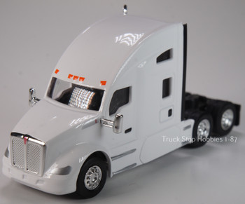 HO 1:87 TSH # 693 Kenworth T-680 Sleeper Cab Tandem Axle Tractor - White
