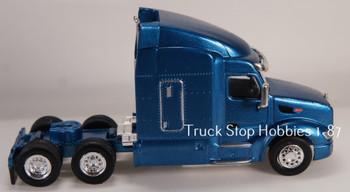 HO 1:87 TSH # 542 Peterbilt 579 Sleeper Cab Tandem Axle Tractor - Metallic Blue