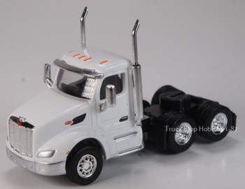HO 1:87 TSH # 533 Peterbilt 579 Day Cab Tandem Axle Tractor - White