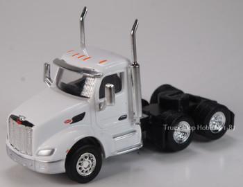 HO 1:87 TSH # 533 Peterbilt 579 Day Cab Tandem Axle Tractor - White