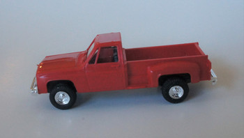 HO 1:87  Trident # 90015 Chevy Stepside Pickup 4 x 4 - Red