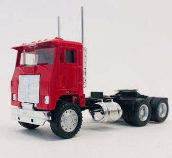 HO 1:87 Promotex # 25237 Dual Axle White Commander Day Tractor - Red