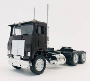 HO 1:87 Promotex # 25237 Dual Axle White Commander Day Tractor - Brown