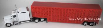 HO 1:87 TSH # 65308R Kenworth W900L w/Red Cattle Trailer - White Tractor