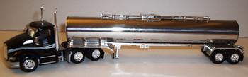 HO 1:87 TNS # 050 Kenworth T-680 Day Cab  w/Chemical Tanker - Love's/Gemini