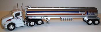 HO 1:87 TNS # 099 Kenworth T-680 Day Cab  w/Gasoline Tanker - Jacques Auger