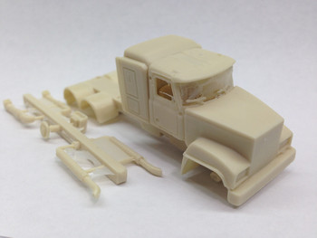 HO 1/87 GCC-3052-A Mack Superliner Cast Resin Tractor KIT - 3-axle - w/Details