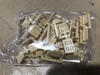 HO 1/87 Herpa # 52900 Pallets - 50 Pieces
