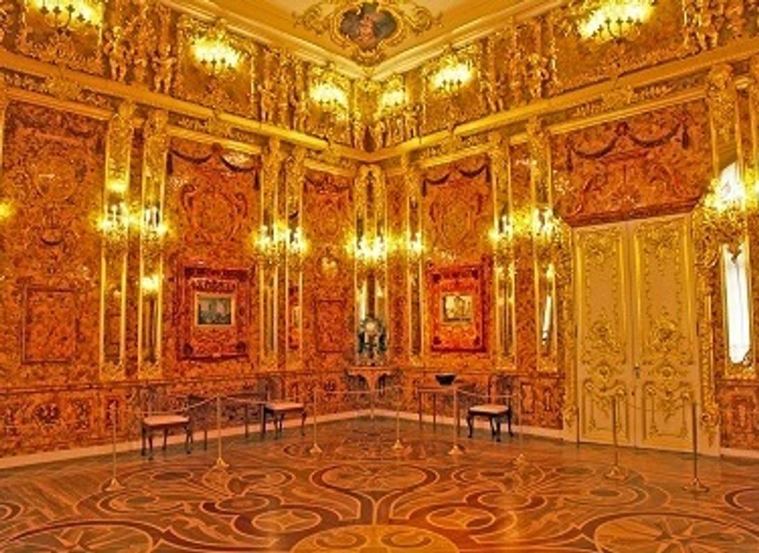 the-amber-room.jpg?t=1550683634