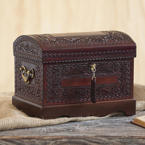 Womens Colonial Leather and Wood Jewelry Box 'Colonial Treasure'