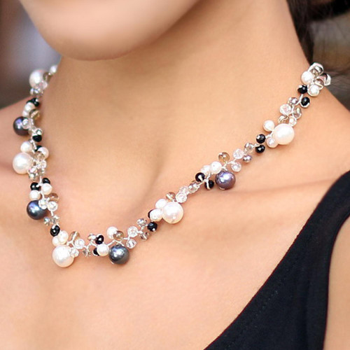 Pearl Choker Necklace 'A Spark of Romance'